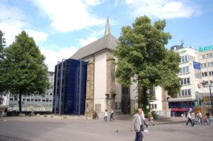 Die Marktkirche liegt mitten in der Essener Innenstadt.